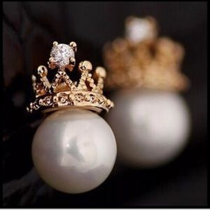 White Pearl Crystal Crown Earrings